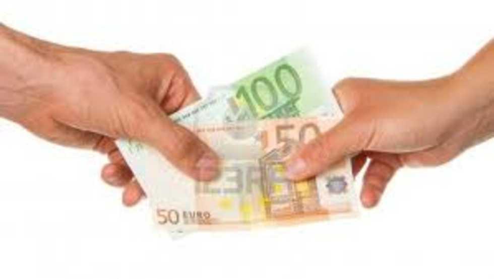 150 euro mensili di bonus per ogni figlio a carico for Ohrensessel 150 euro
